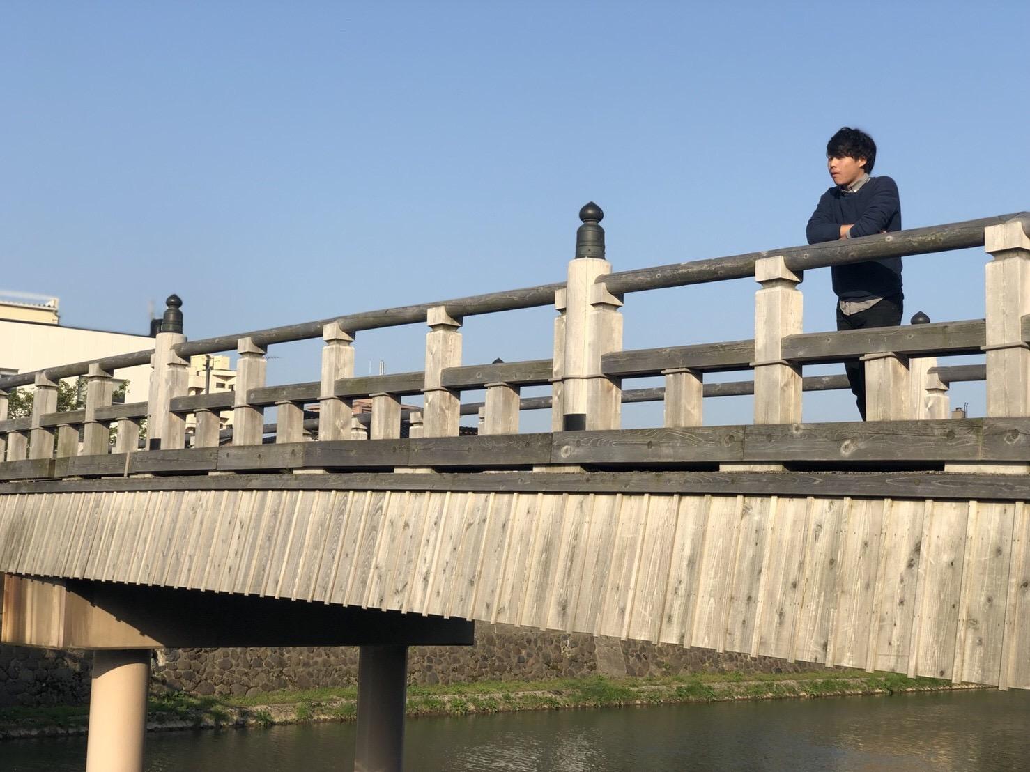 石川県金沢市の定番スポット近江町市場で食べ歩きから21世紀美術館まで